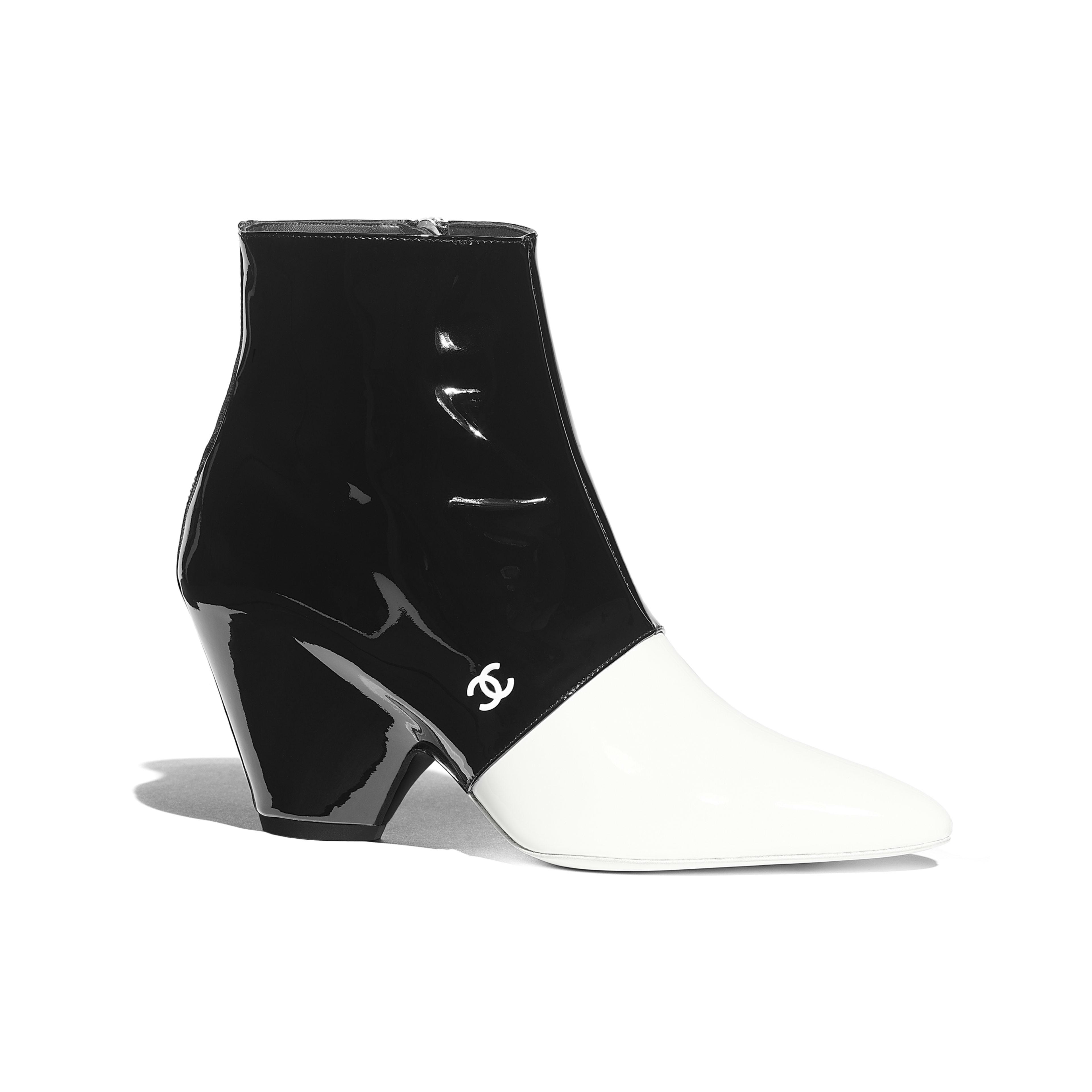 รองเท้าบู้ทสั้น - สีขาวและสีดำ - หนังลูกวัวเคลือบเงา - มุมมองปัจจุบัน - ดูเวอร์ชันขนาดเต็ม