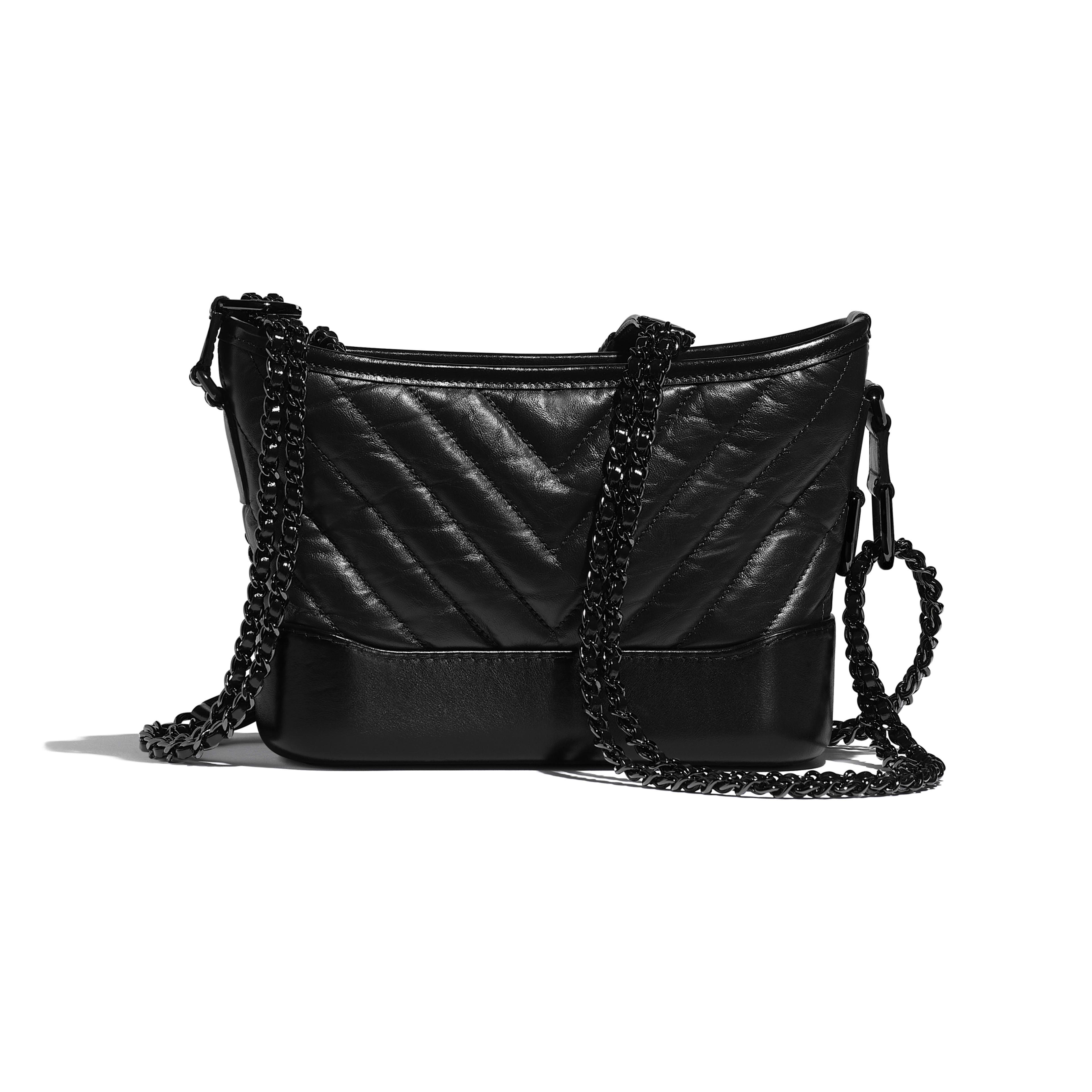 CHANEL'S GABRIELLE сумка hobo маленького размера - Черный - Состаренная кожа теленка, гладкая кожа теленка и черный металл - Альтернативный вид - посмотреть полноразмерное изображение