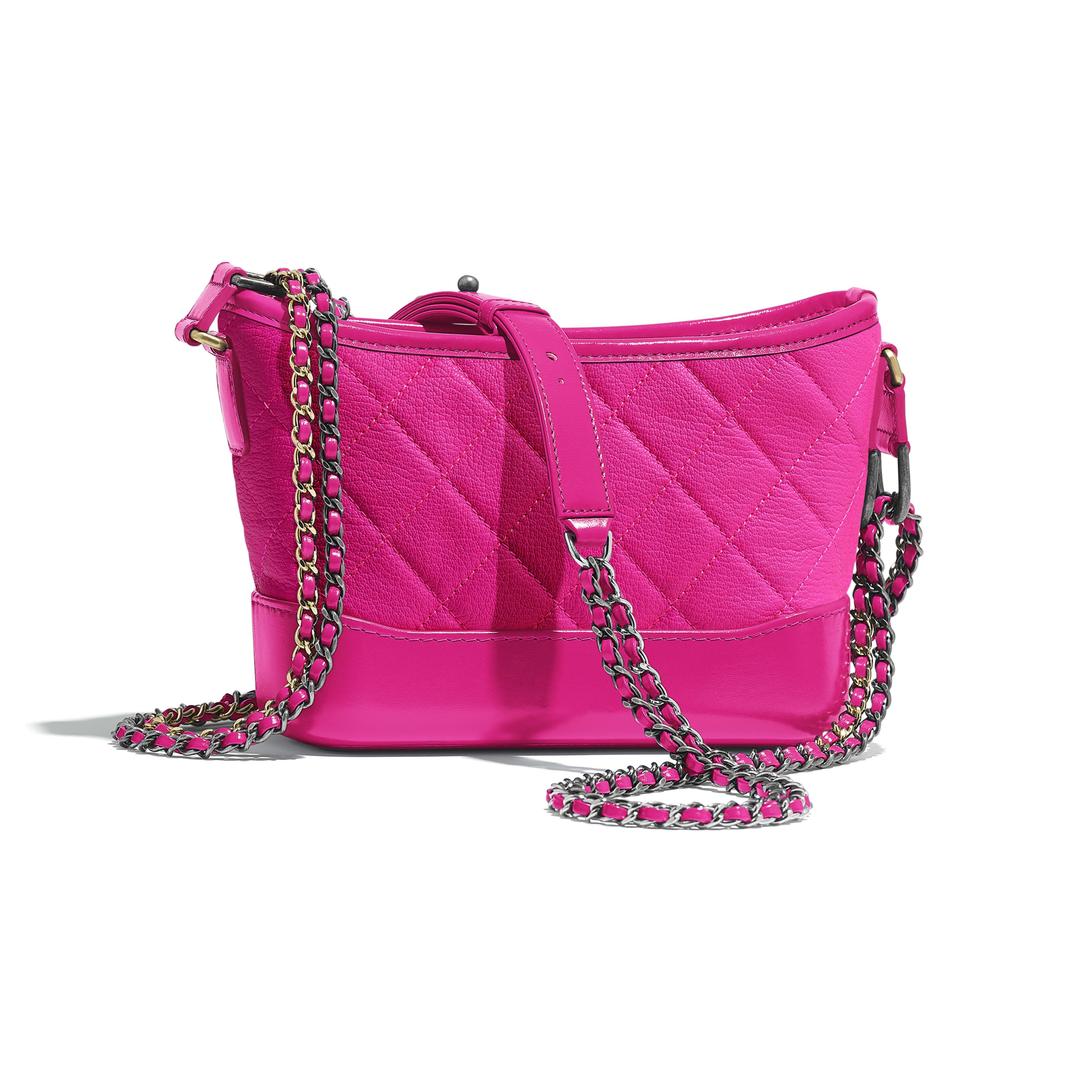 กระเป๋าโฮโบ CHANEL's GABRIELLE ใบเล็ก - สีชมพู - หนังแพะ โลหะสีทองและโลหะสีเงิน - มุมมองทางอื่น - ดูเวอร์ชันขนาดเต็ม