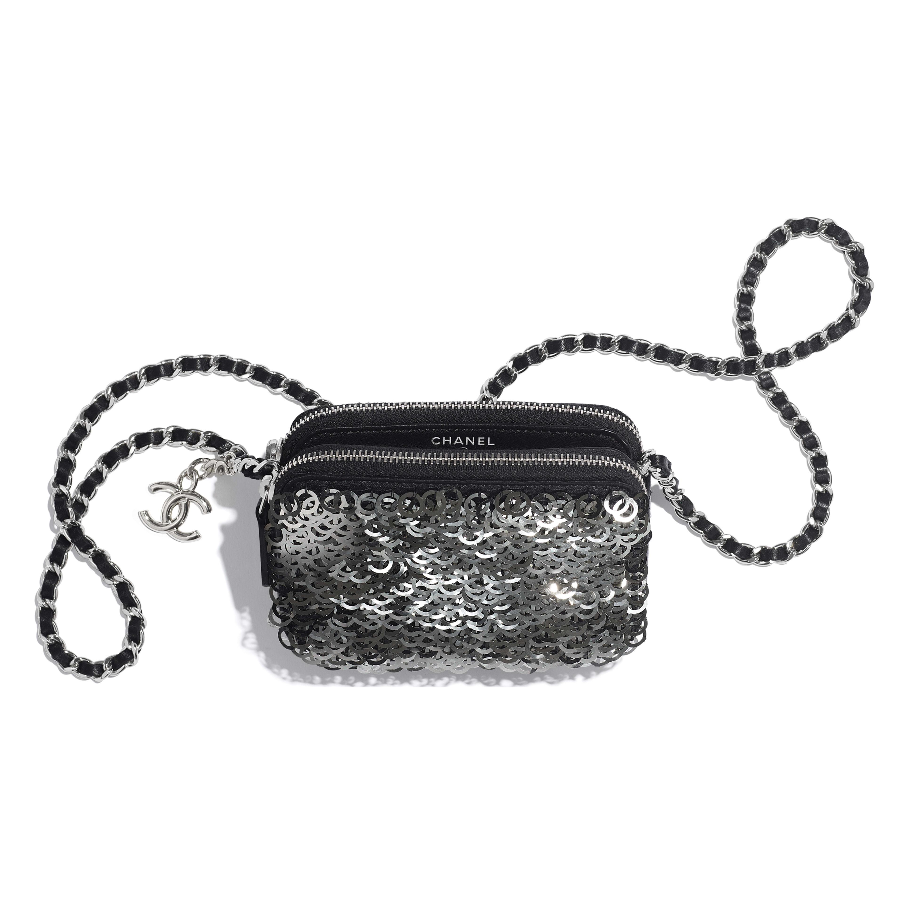 กระเป๋าคลัทช์พร้อมสายโซ่ - สีดำ สีเงิน และสีขาว - หนังแกะ ปักเลื่อม และประดับโลหะสีเงิน - มุมมองอื่น - ดูเวอร์ชันขนาดเต็ม