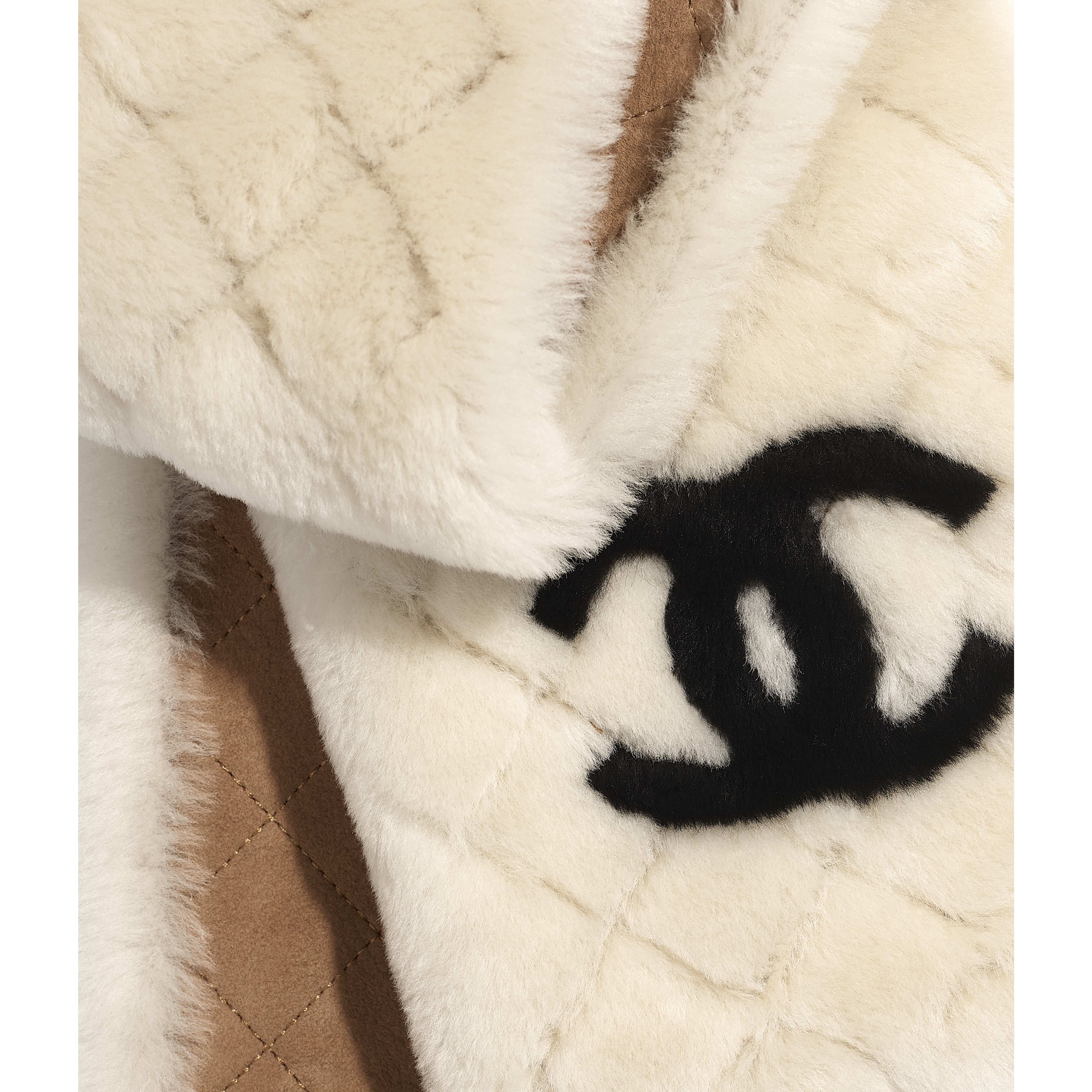 Scarf - Ivory & Black - Shearling - Default view - see full sized version