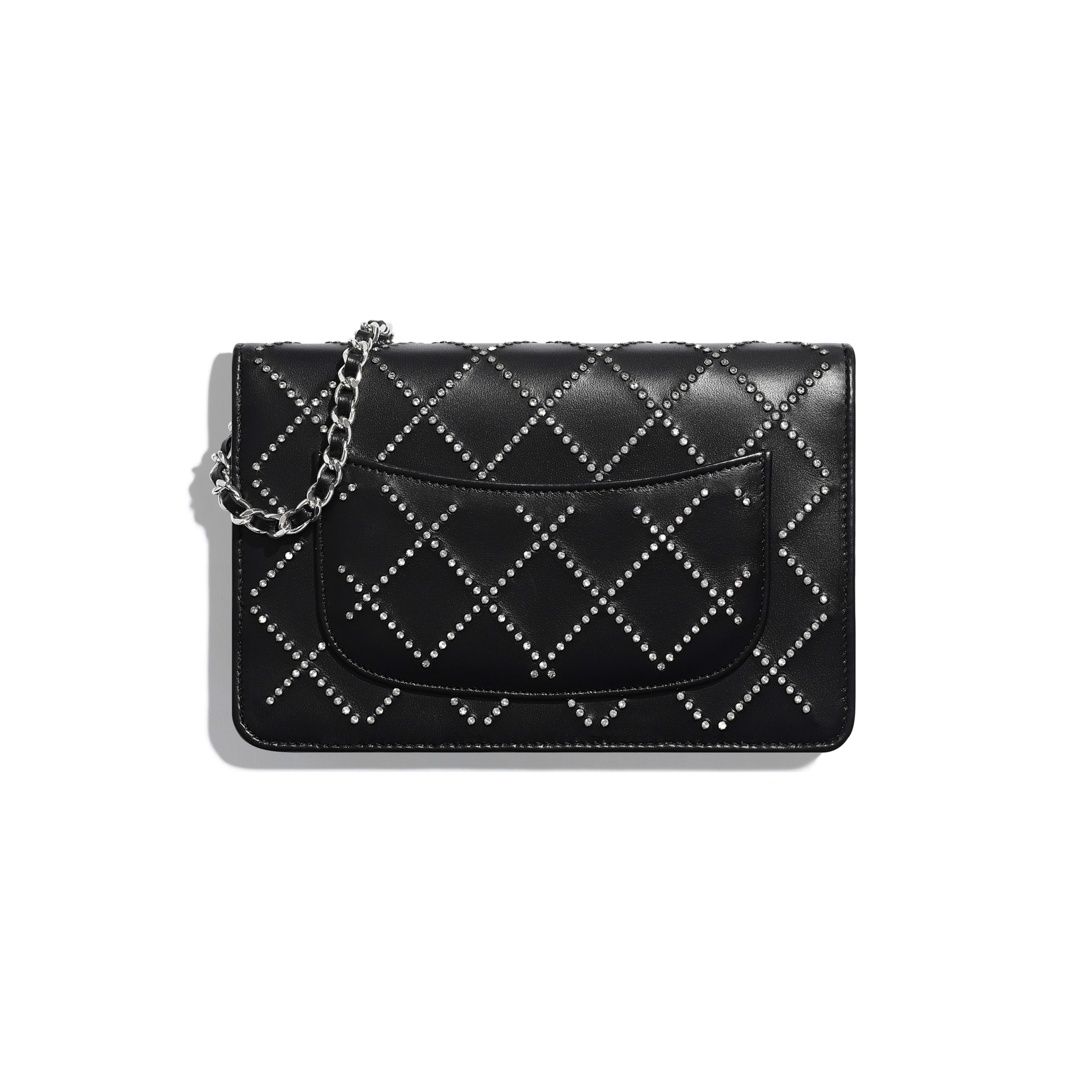 กระเป๋าสตางค์พร้อมสายโซ่ - สีดำ - หนังแกะมันเงา คริสตัล และโลหะสีเงิน - มุมมองทางอื่น - ดูเวอร์ชันขนาดเต็ม