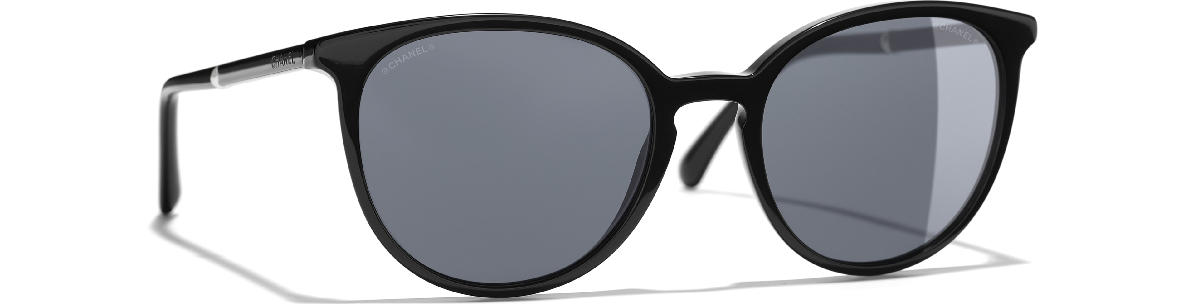 Acetate & Imitation Pearls black frame. Grey gradient lenses