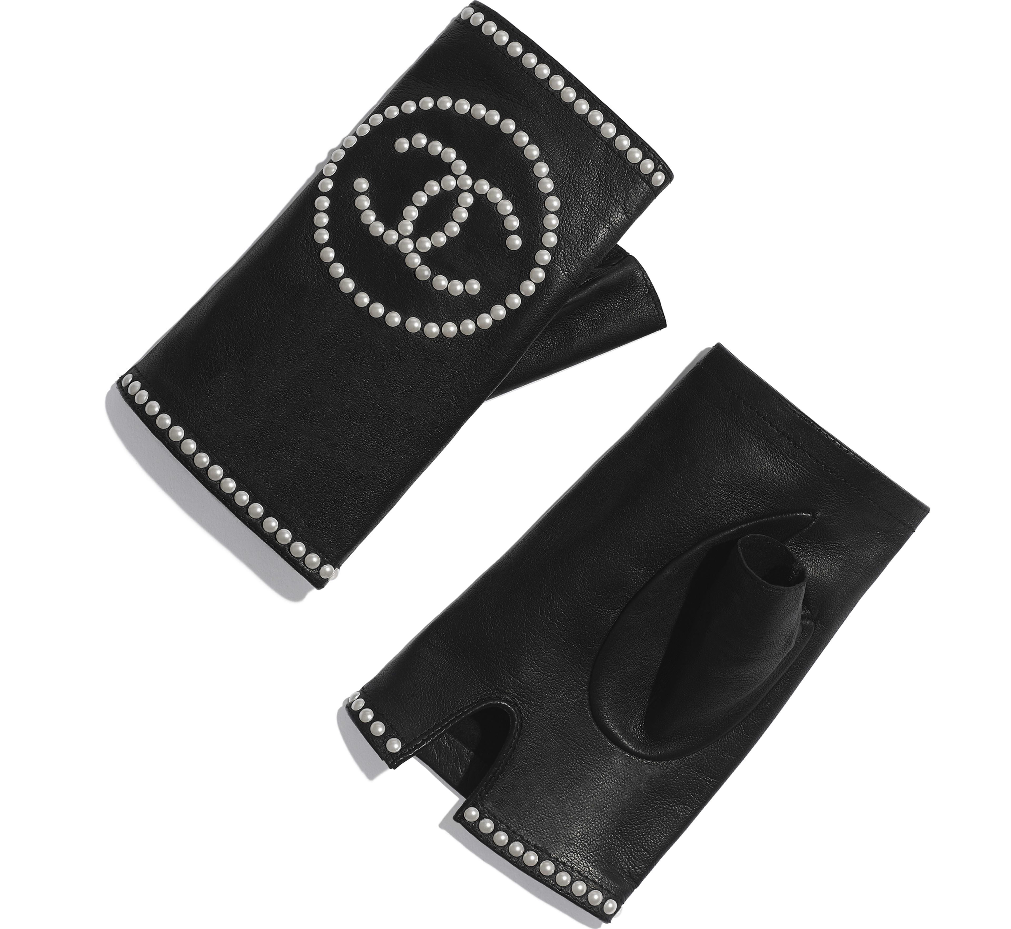 Lambskin & Pearls Black