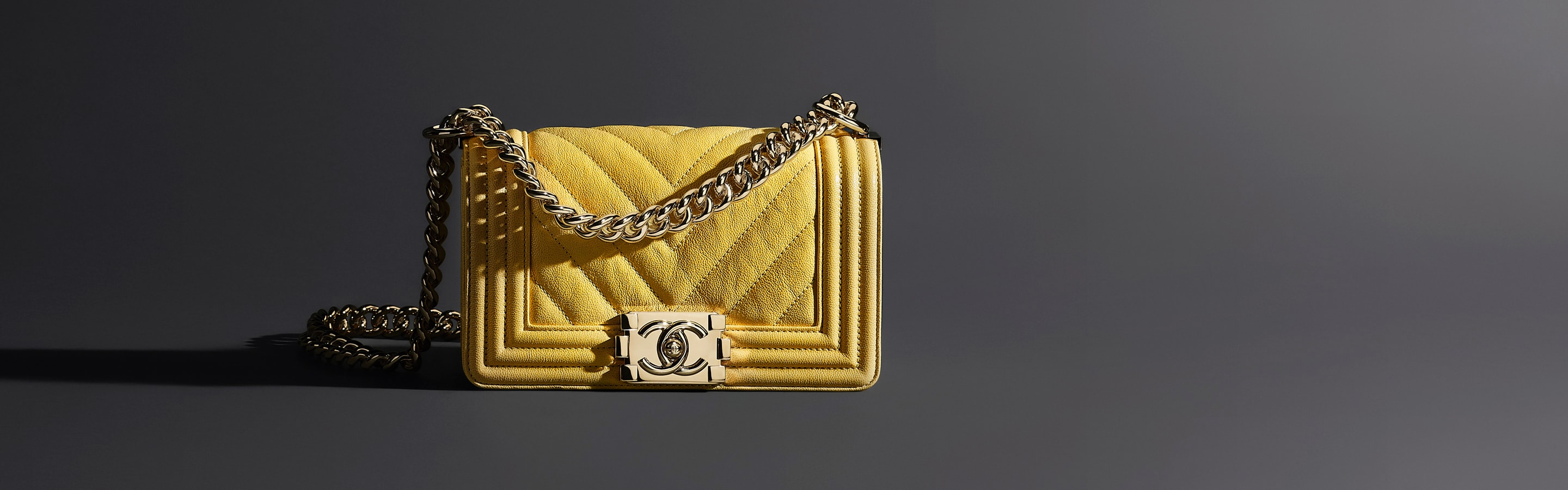 BOY CHANEL - Handbags - CHANEL e43d74be2069c