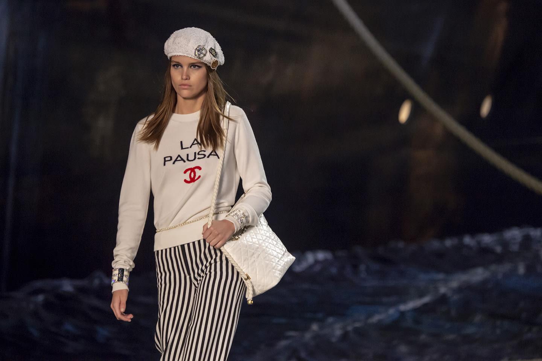La Pausa Insigne De La Collection Croisière 201819 Chanel