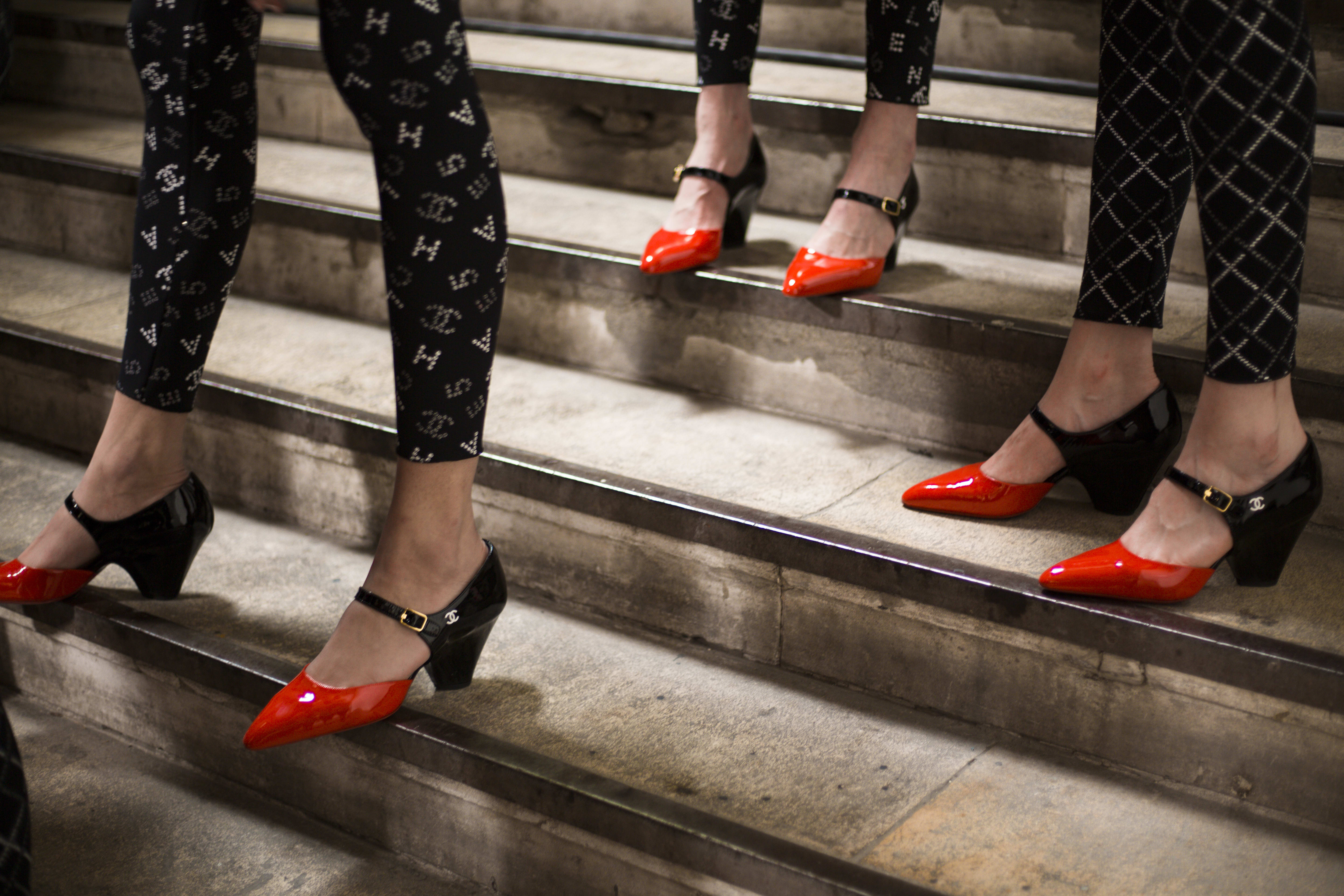 TWO-TONE PUMPS CRUISE 2019/20 - CHANEL