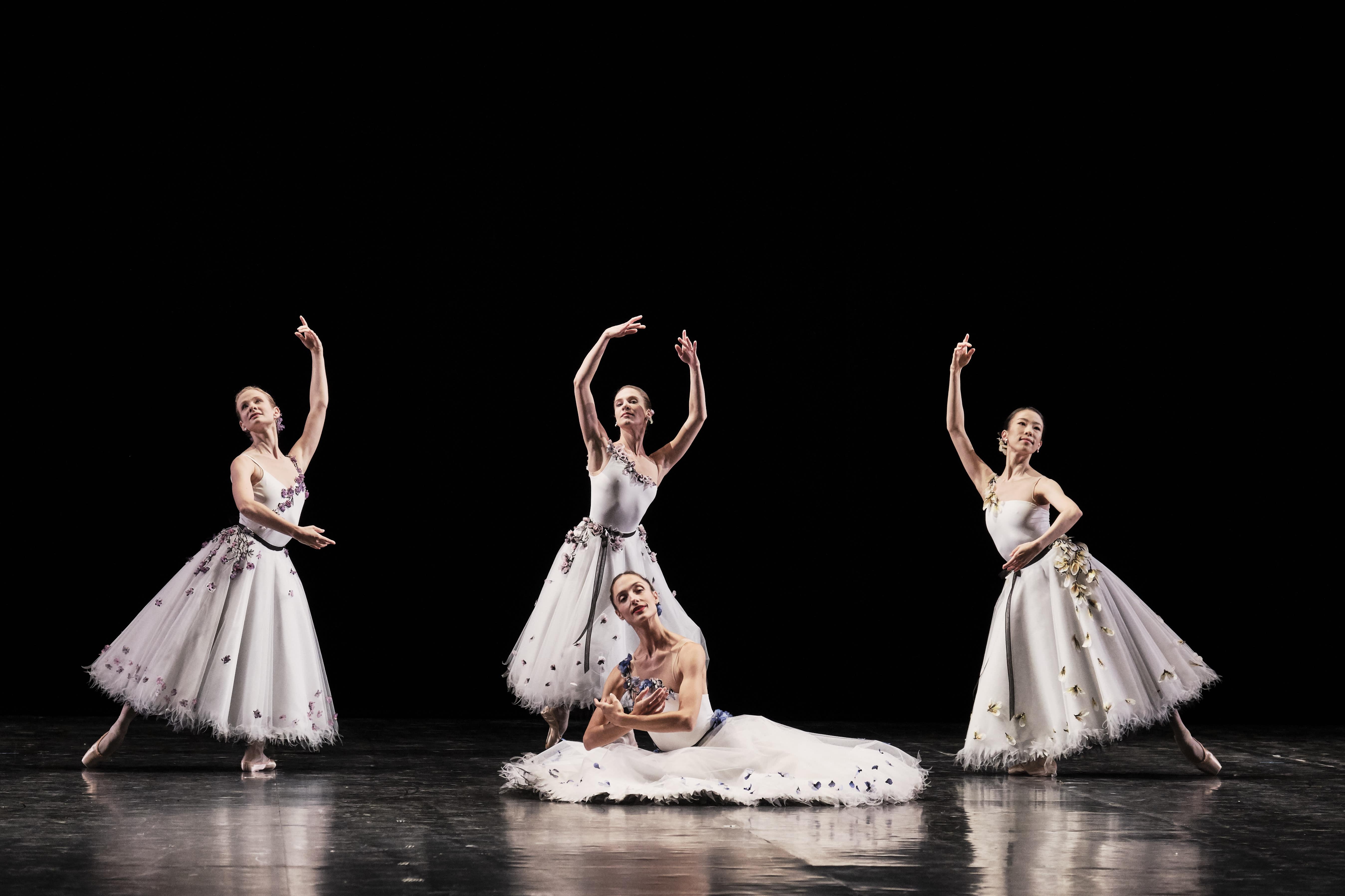 in vendita d7616 c6717 Chanel E La Danza Le Ballerine - CHANEL