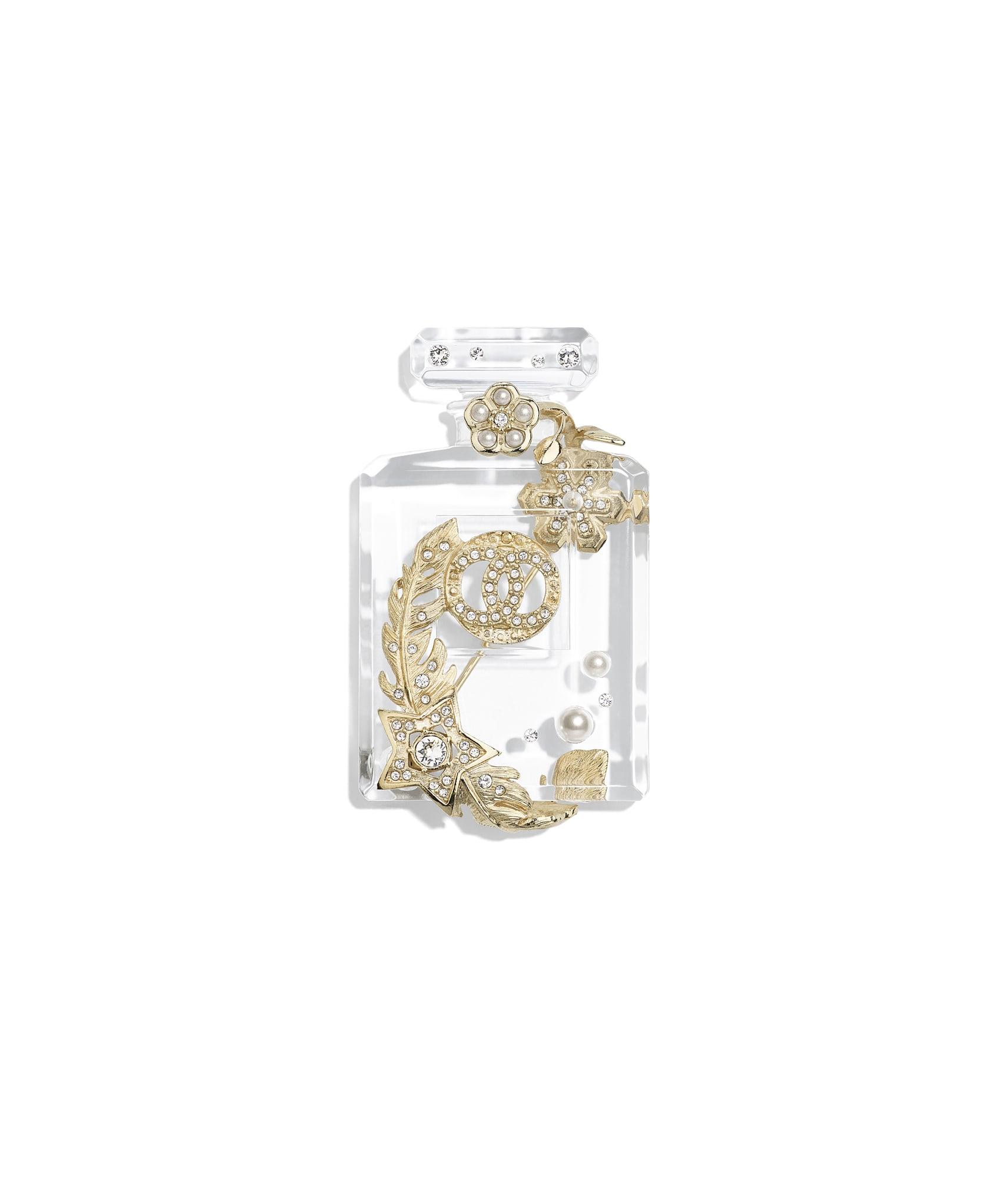 où acheter super pas cher se compare à complet dans les spécifications Brooches - Costume Jewelry - CHANEL