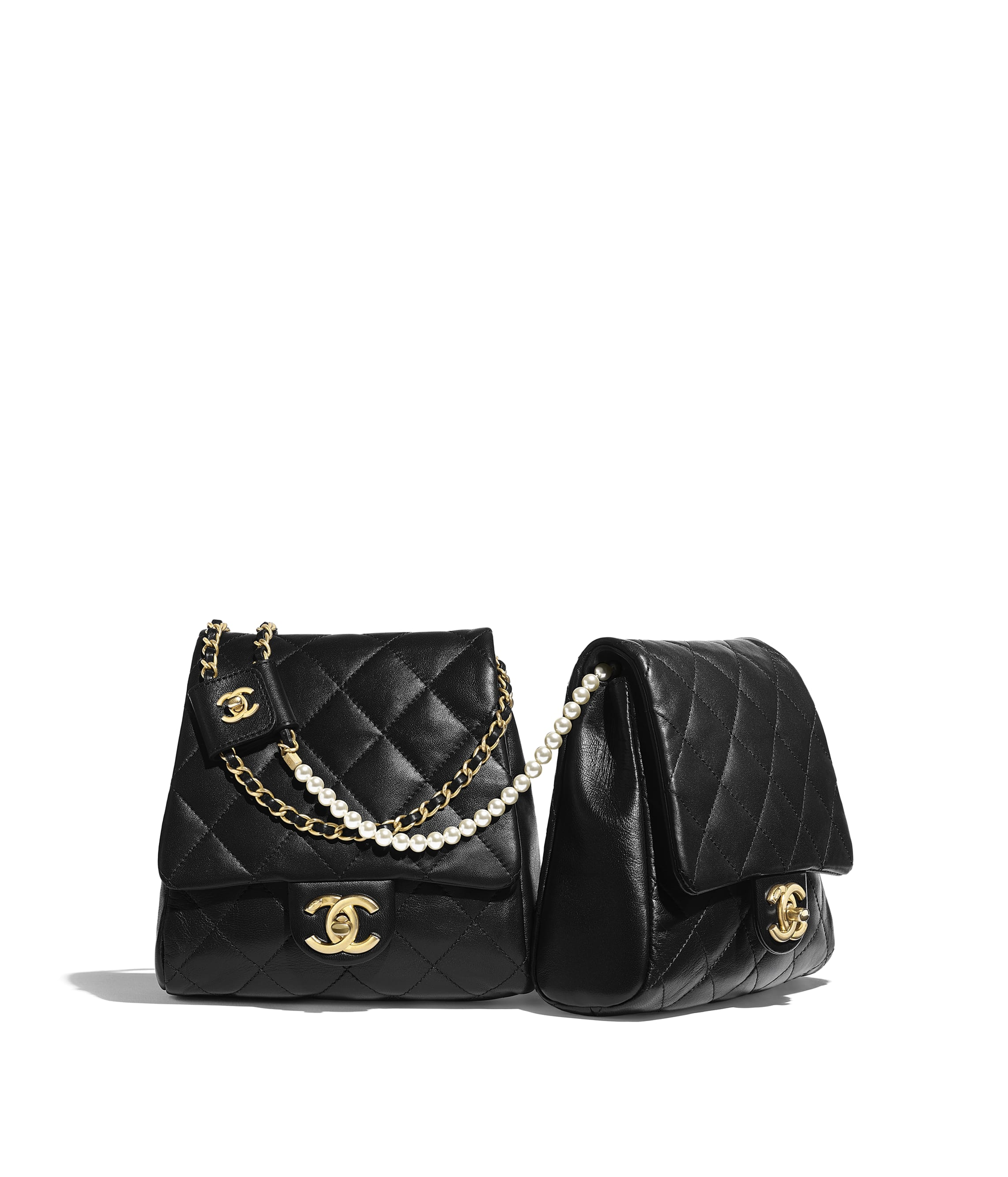 5824b3256df5 Handbags - CHANEL