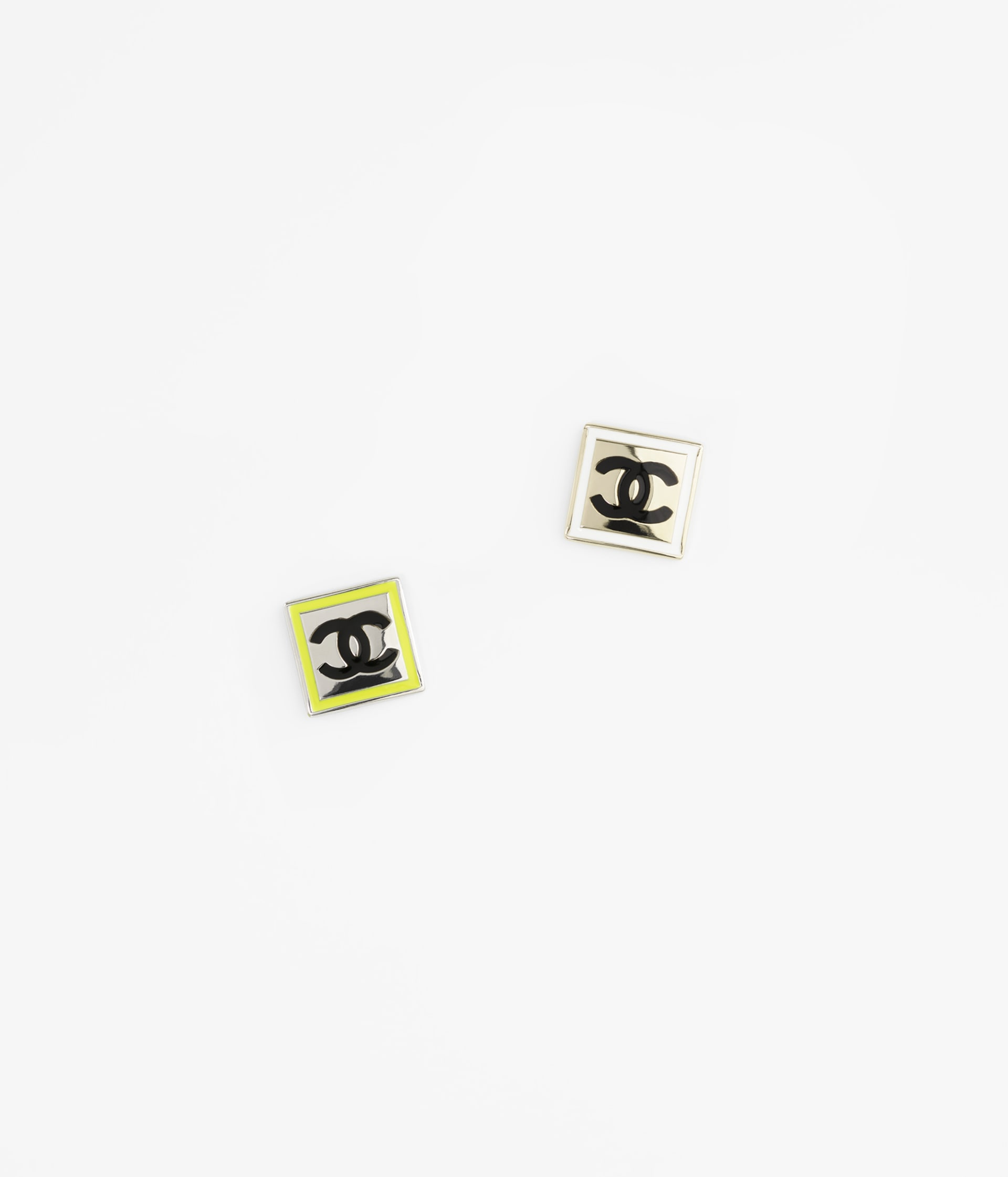 image 1 - Brooch - Metal - Gold, Silver, White, Neon Yellow & Black