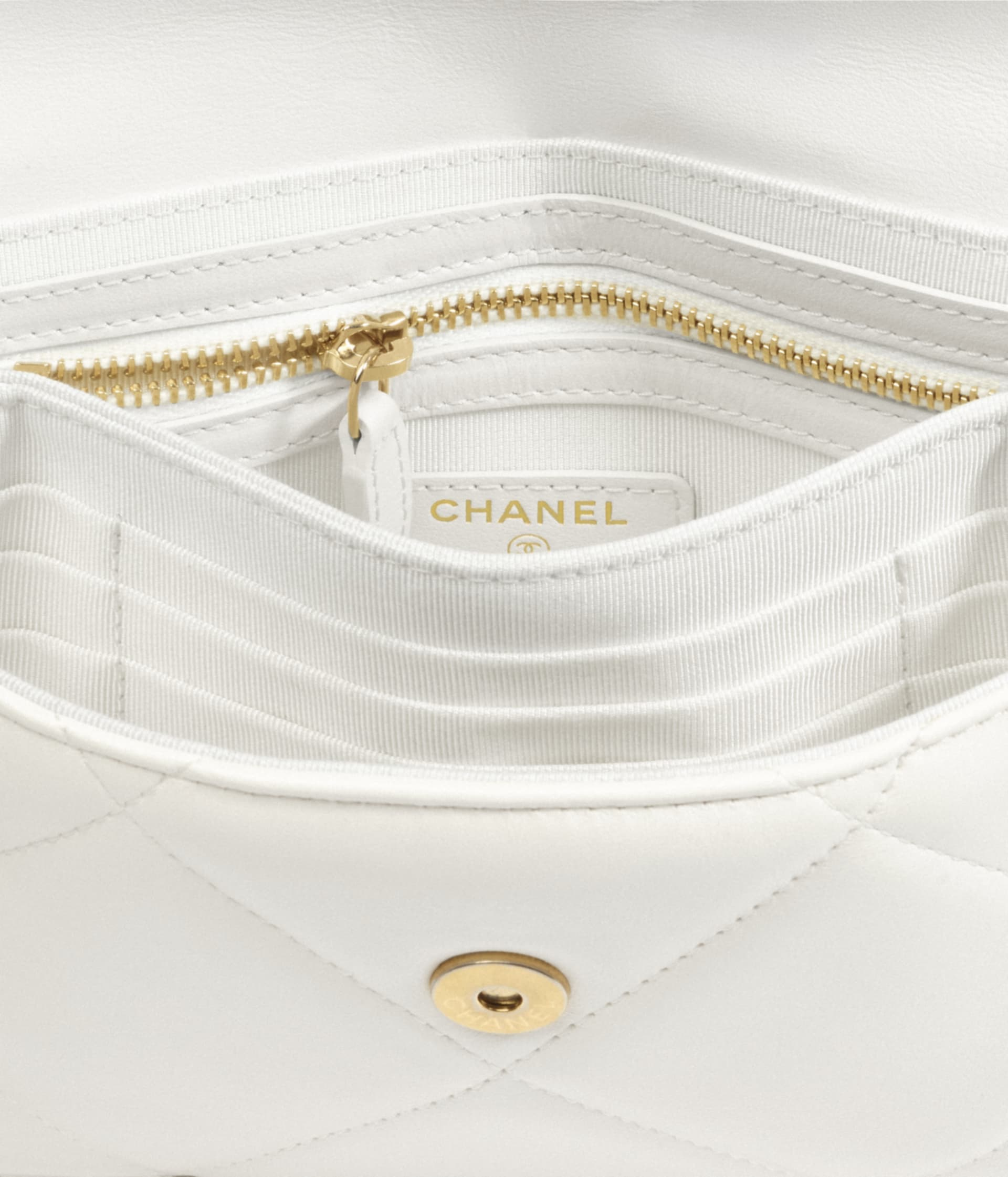 image 2 - CHANEL 19 Pouch with Handle - Lambskin, Gold-Tone, Silver-Tone & Ruthenium-Finish Metal - White