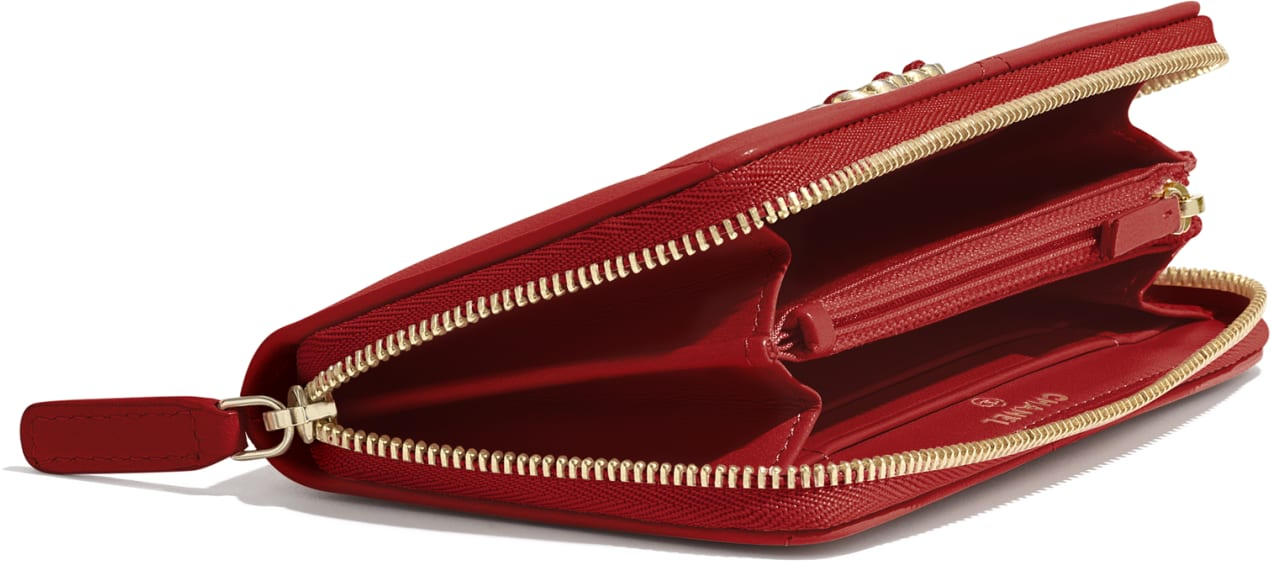 CHANEL 19 Zipped Wallet
