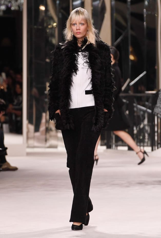 image 1 - Jacket - Tweed Embroidered with Feathers - Black