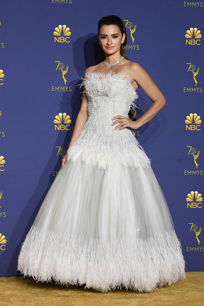penelope-cruz-emmy-awards-2018