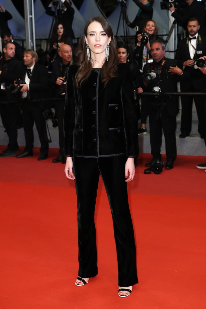 stacy-martin-chanel-in-cannes-day-7