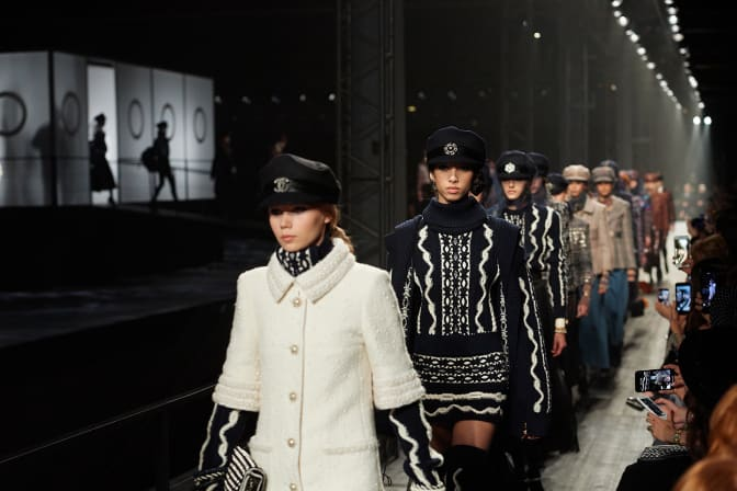 finale-of-the-metiers-d-art-show-in-moscow