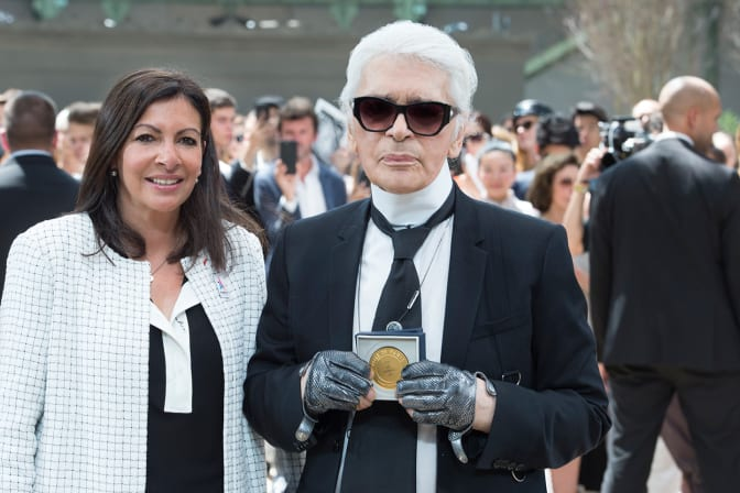 karl-lagerfeld-honored-by-the-mayor-of-paris