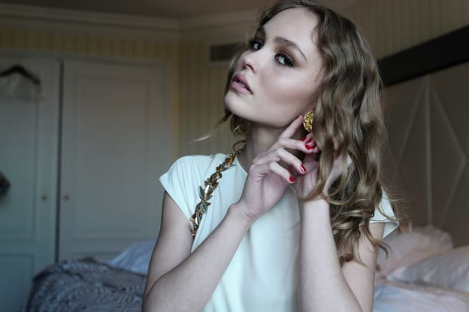 lily-rose-depp-majestic-hotel-5-57