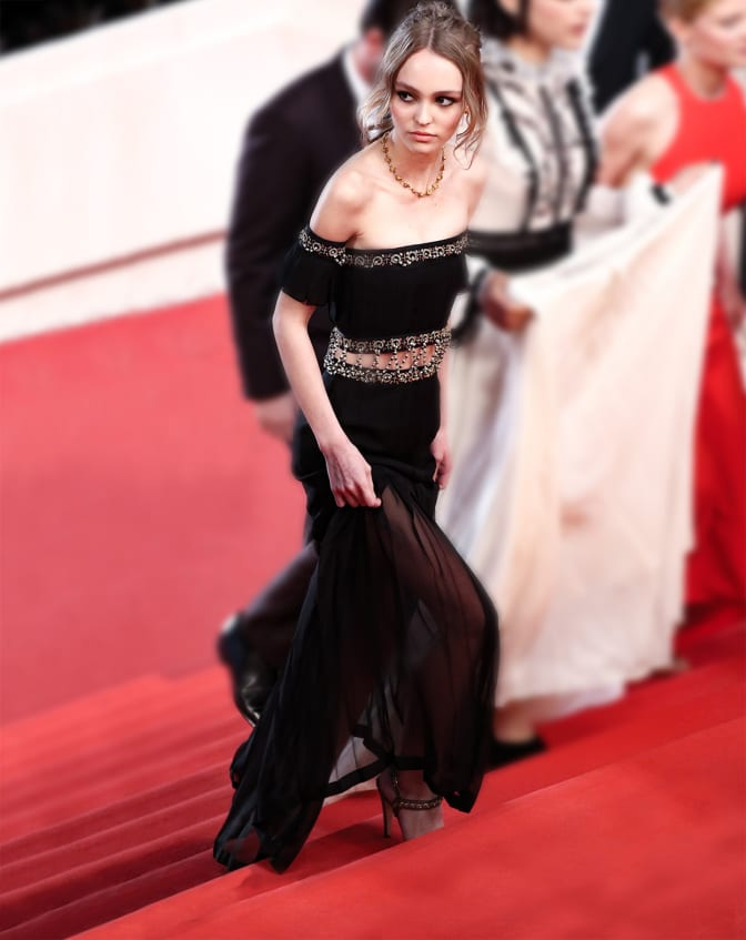 lily-rose-depp-cannes-red-carpet