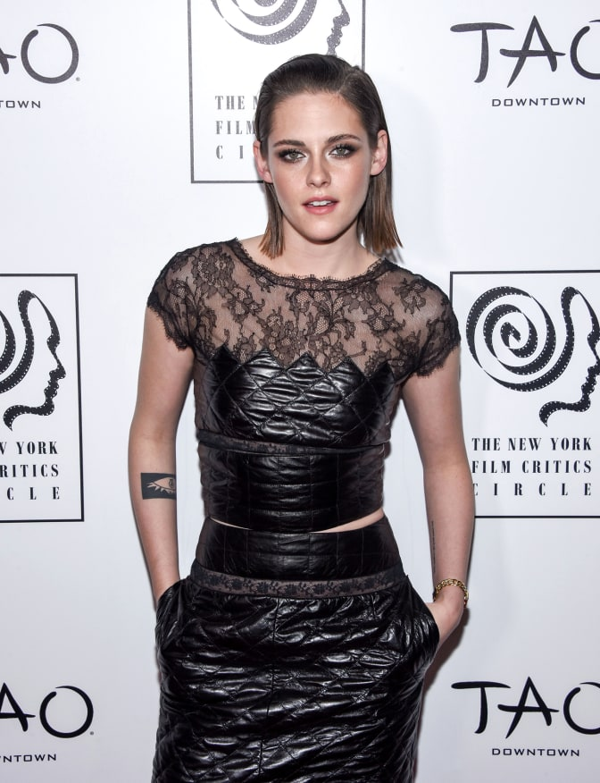 kristen-stewart-scoops-new-york-film-critics-circle-award