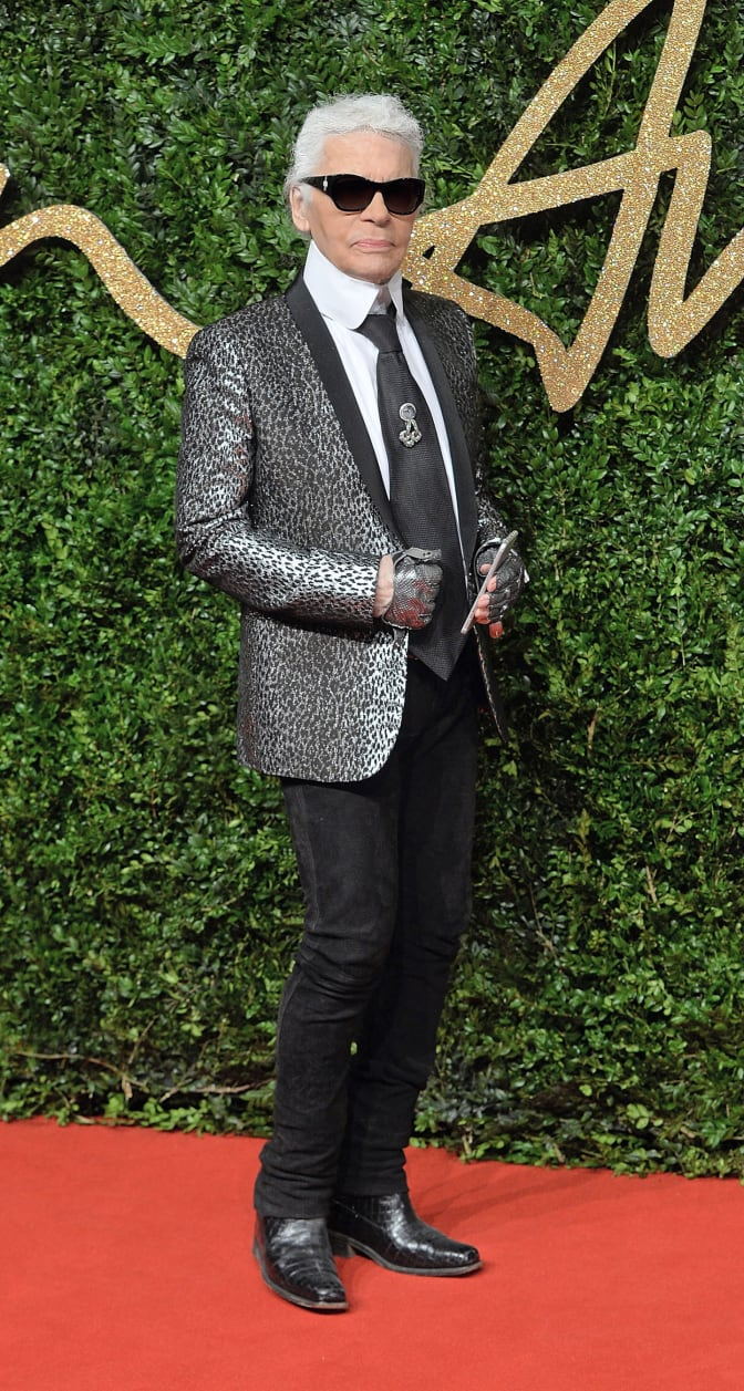 karl-lagerfeld-honoured-with-the-outstanding-achievement-award