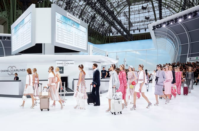 spring-summer-2016-ready-to-wear-collection-chanel-airlines