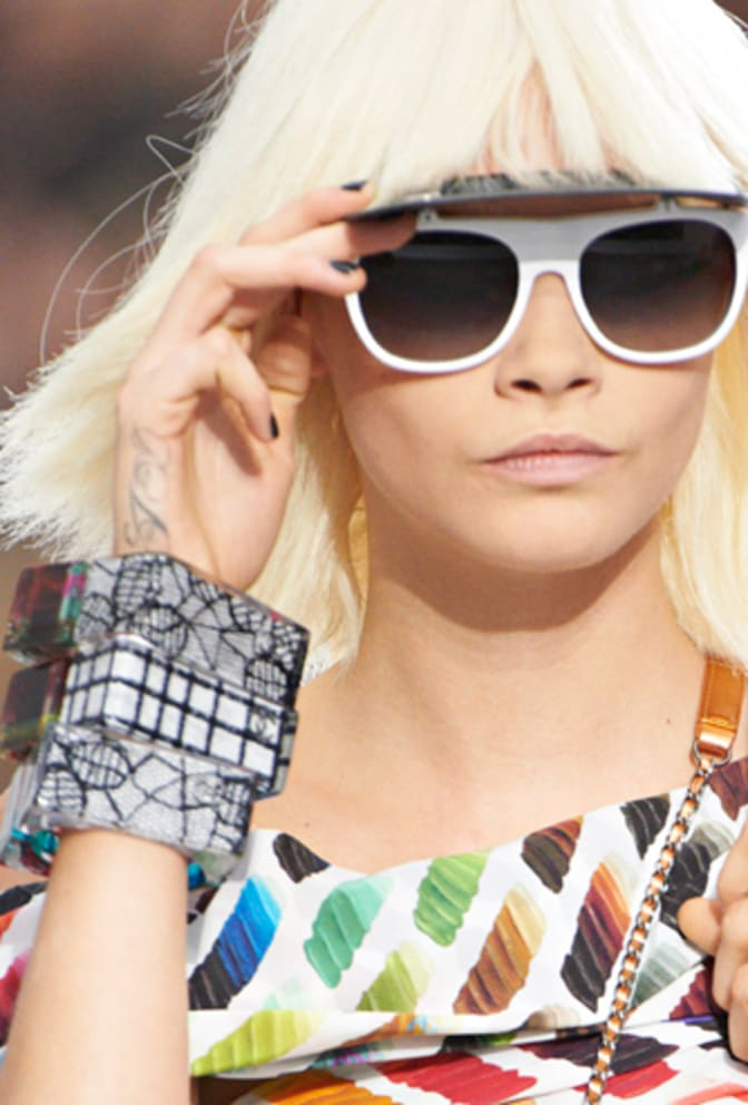 spring-summer-2014-visor-sunglasses-and-plexiglass-bracelets
