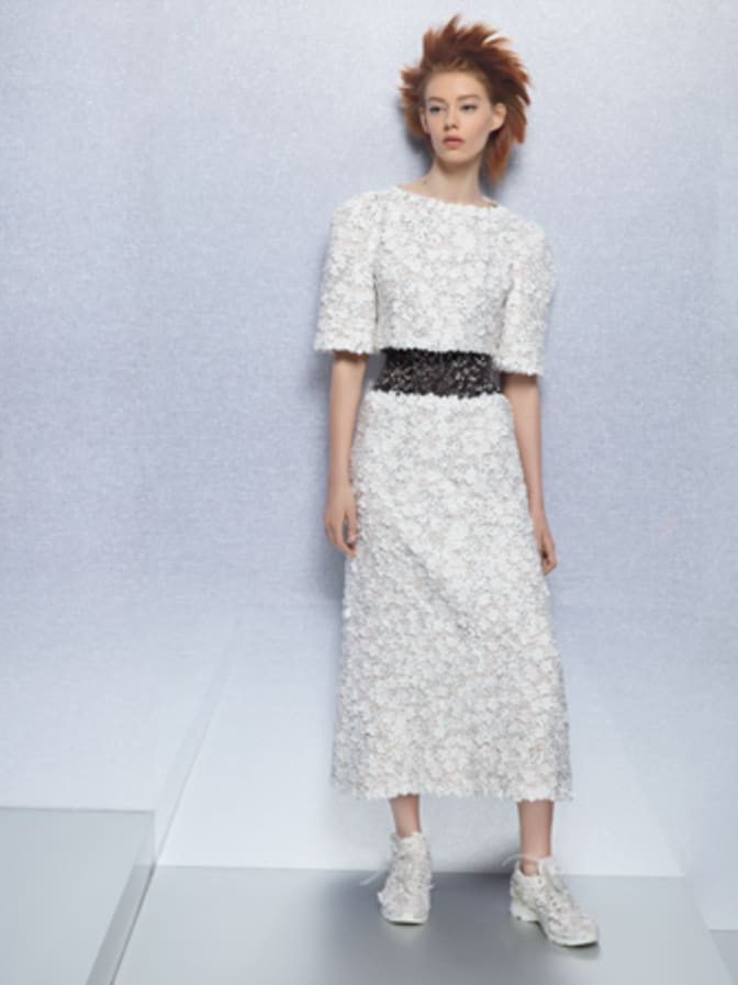 silhouette-from-the-collection--by-karl-lagerfeld-