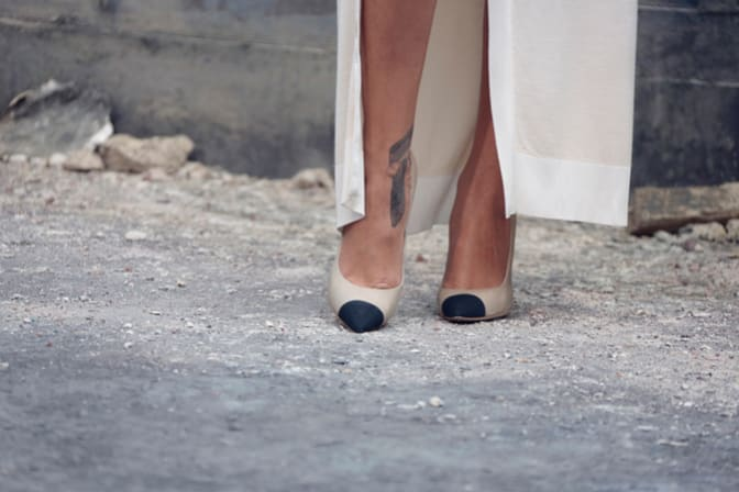two-tone-shoes-worn-by-rihanna