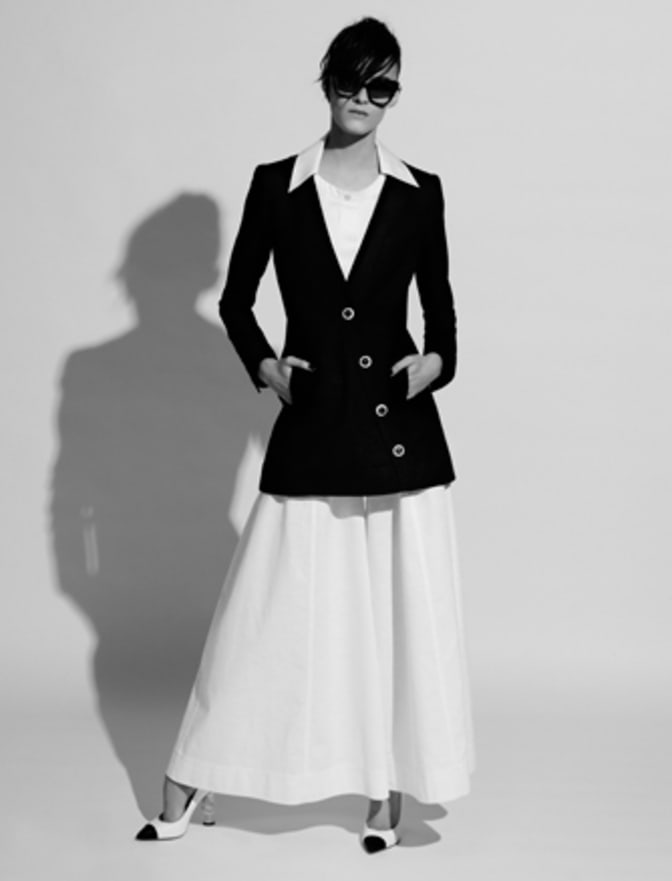 silhouette-from-the-collection-by-karl-lagerfeld