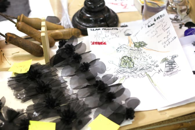hand-made-feather-craftsman-lemarie-2