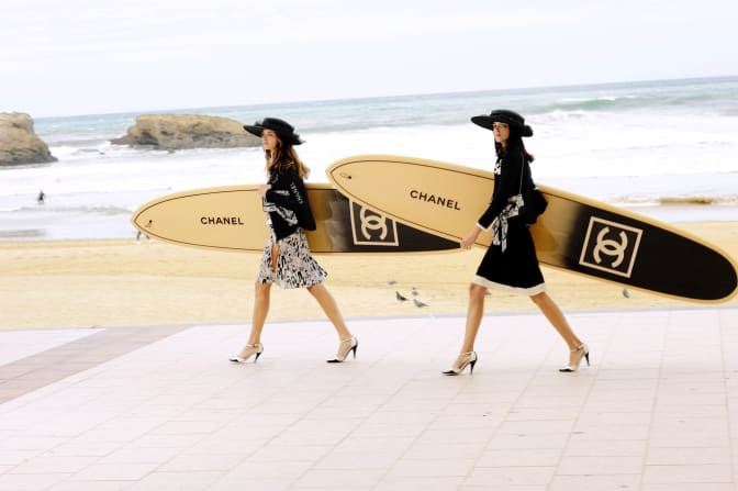 chn-chanel-holidays-biarritz-title
