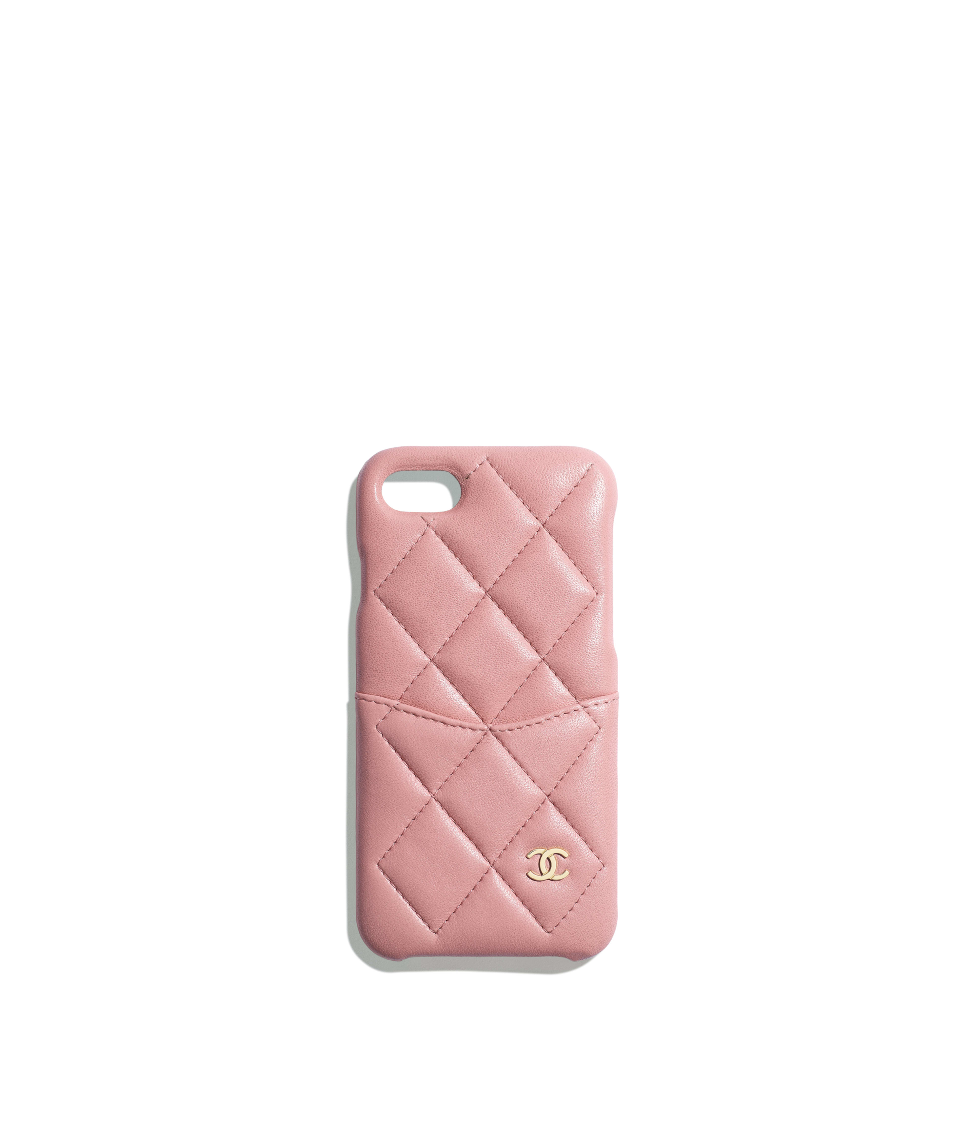 6eabdb6d092c Classic Case for iPhone 7 & 8 Lambskin & Gold-Tone Metal, Pink Ref.  A83563Y01295N0897