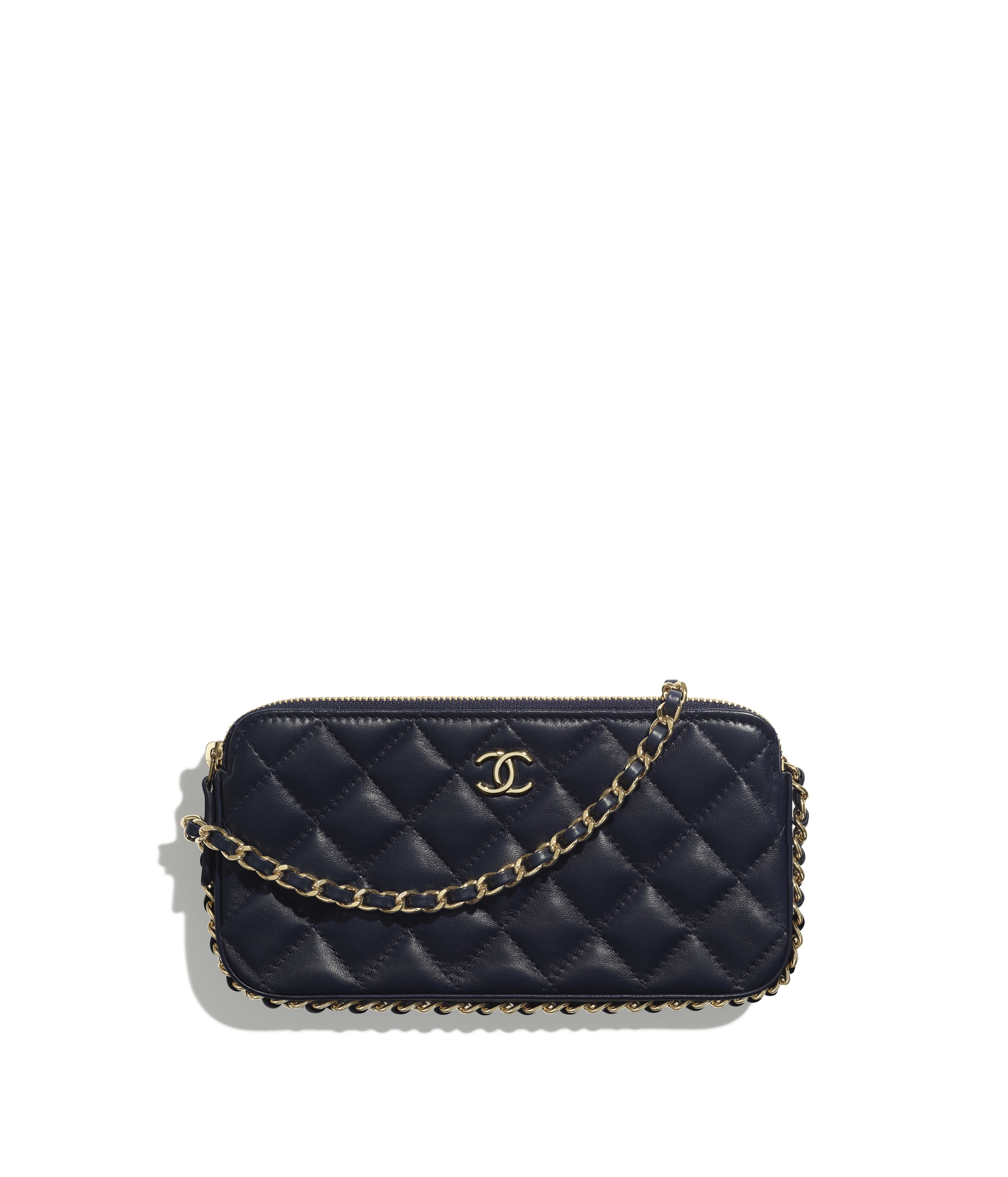 67efd052 Clutch with Chain Lambskin, Chains & Gold-Tone Metal, Navy Blue Ref.  AP0738B01129N4858