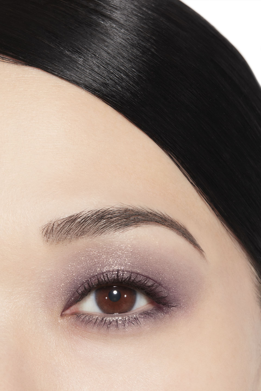 Application makeup visual 1 - ILLUSION D'OMBRE 83 - ILLUSOIRE