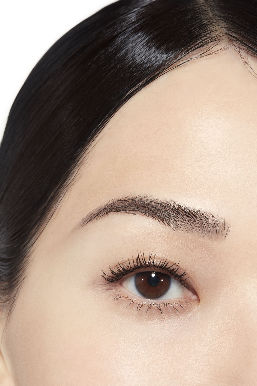 Application makeup visual 1 - INIMITABLE 10 - NOIR BLACK