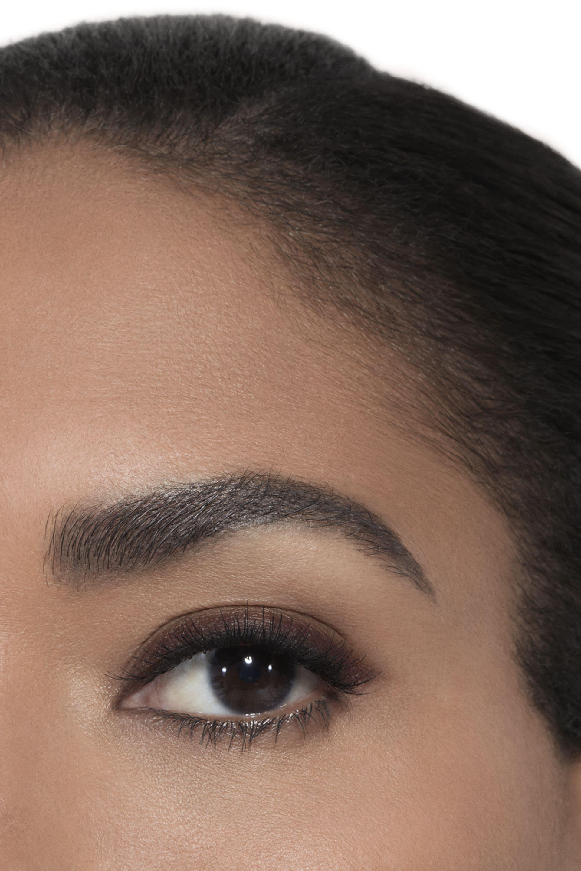 Application makeup visual 2 - LE CRAYON YEUX 02 - BRUN - TEAK