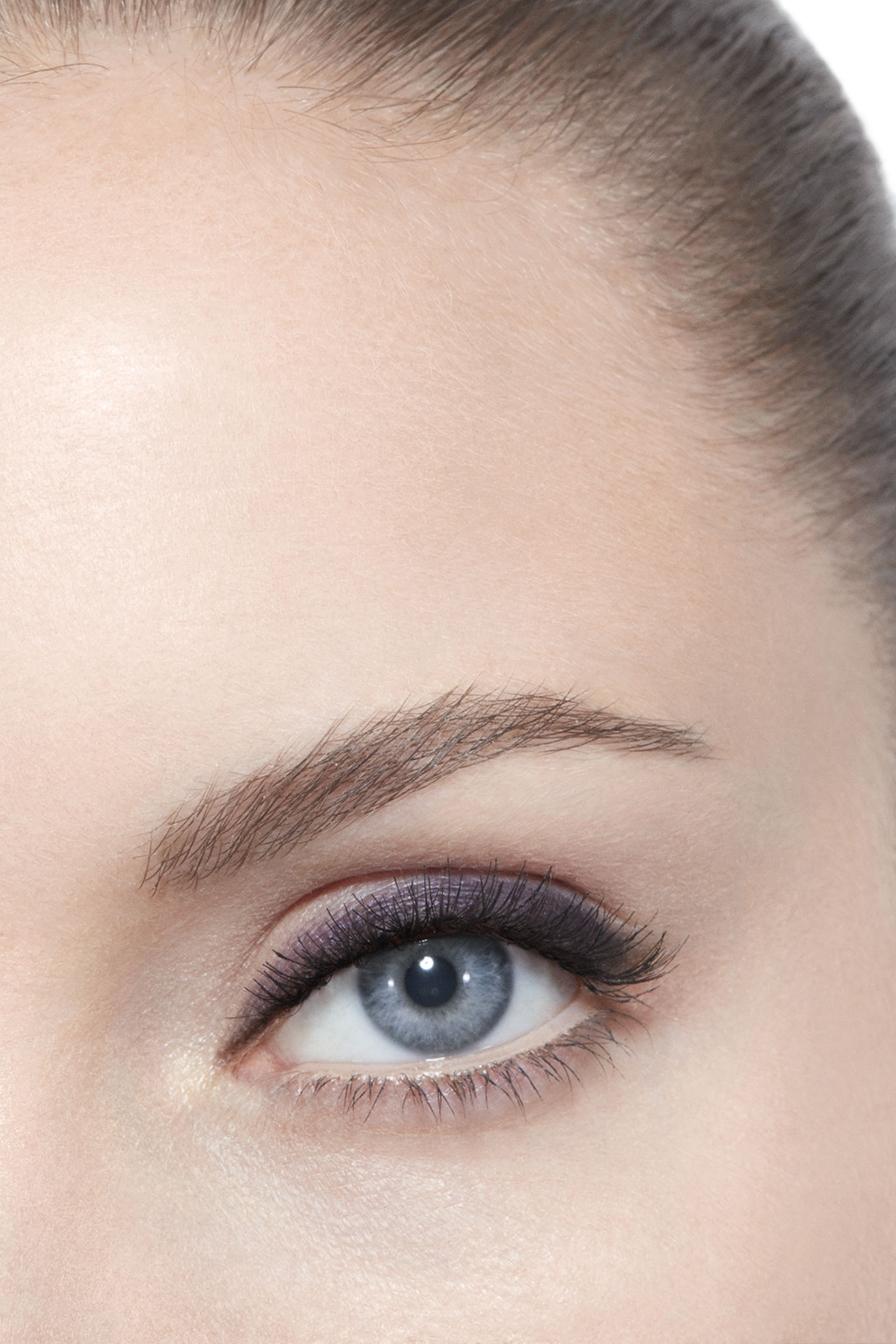 Visuel d'application maquillage 3 - LE CRAYON YEUX 12 - VIOLET SMOKE