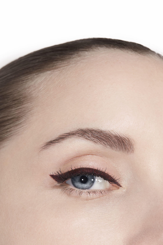 Application makeup visual 3 - LE LINER DE CHANEL 516 - ROUGE NOIR