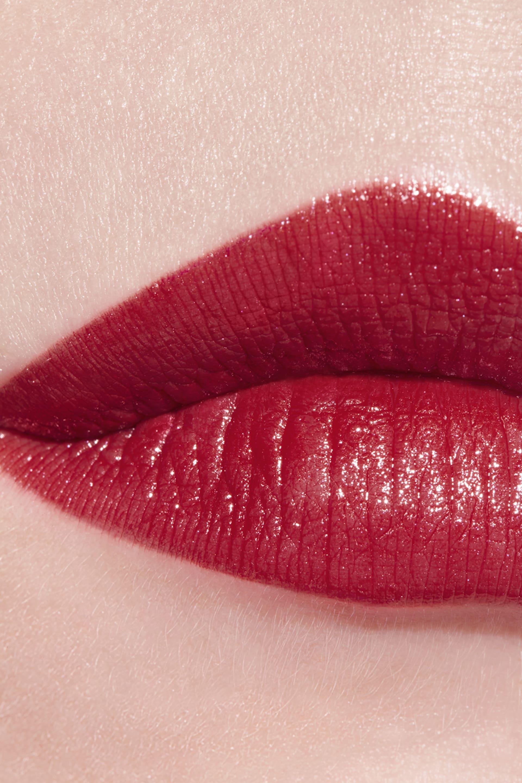 Application makeup visual 3 - LE ROUGE CRAYON DE COULEUR N°5 - ROUGE