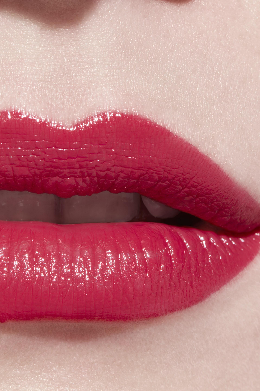 Application makeup visual 3 - LE ROUGE CRAYON DE COULEUR N°4 - ROUGE CORAIL