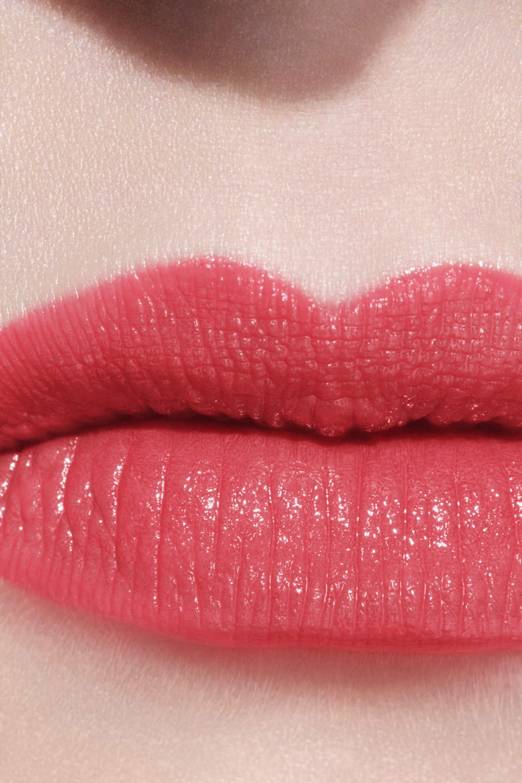 Application makeup visual 2 - LE ROUGE CRAYON DE COULEUR 26 - CORAIL INTENSE