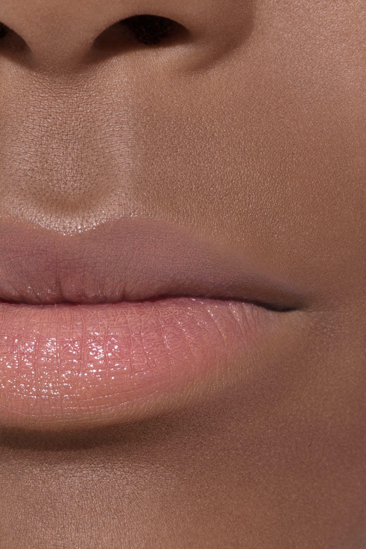Application makeup visual 2 - LE ROUGE CRAYON DE COULEUR N°1 - NUDE
