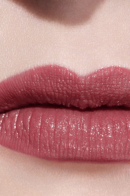 Application makeup visual 3 - LE ROUGE CRAYON DE COULEUR N°2 - ROSE VIOLINE