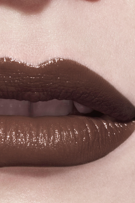 Application makeup visual 3 - LE ROUGE CRAYON DE COULEUR N°22 - NATURAL BROWN