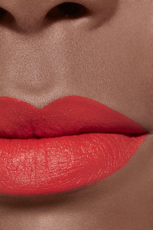 Application makeup visual 2 - LE ROUGE CRAYON DE COULEUR MAT 259 - PROVOCATION