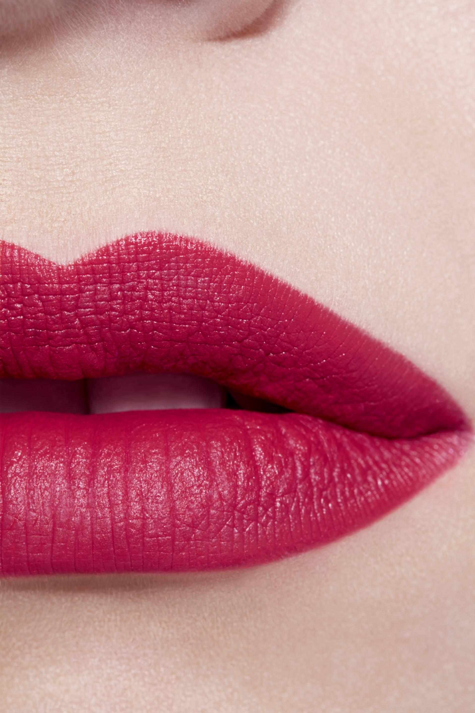 Application makeup visual 3 - LE ROUGE CRAYON DE COULEUR MAT 261 - EXCESS