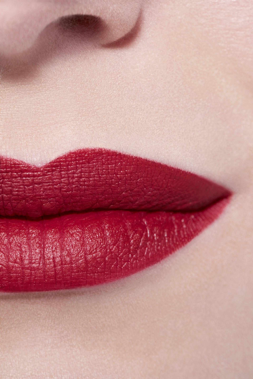 Application makeup visual 3 - LE ROUGE CRAYON DE COULEUR MAT 265 - SUBVERSION