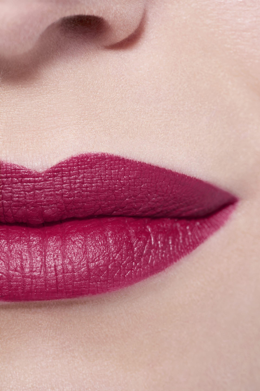 Application makeup visual 3 - LE ROUGE CRAYON DE COULEUR MAT 269 - IMPACT
